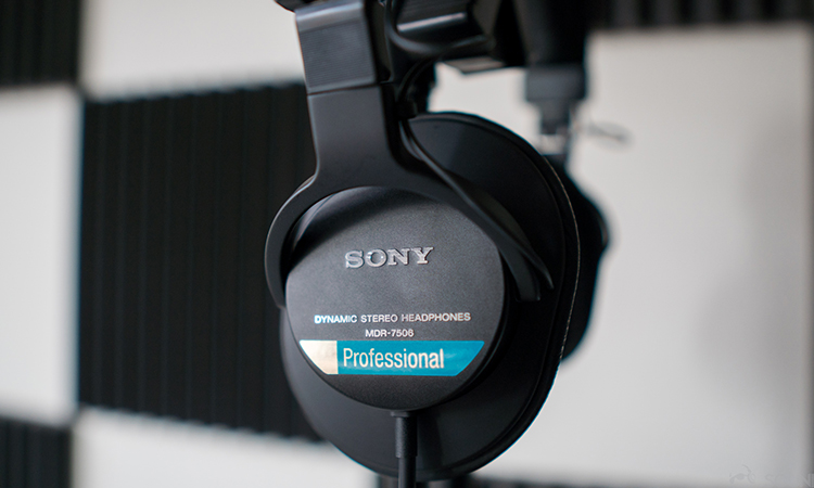 Sony MDR-7506 | Meet The High Performance Sony Headphones
