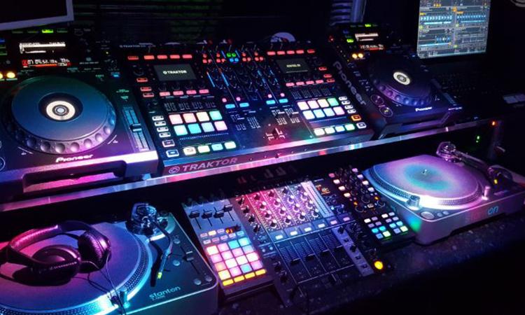 DJ Amplifiers