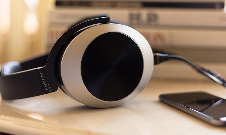 Audeze EL-8 Titanium Over Ear Closed Back Headphone