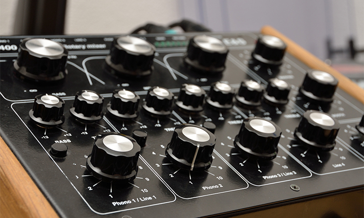 Top 10 Best MIDI Controllers In 2020