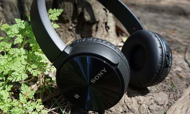 Sony MDR-ZX330BT | The Outstanding Battery Life Headphone