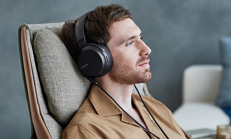 Sony MDR-Z7M2 | The Audiophile-Grade Headphone