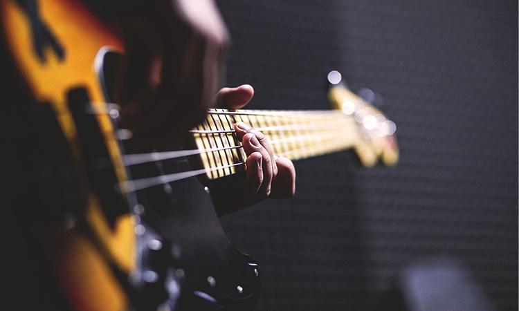 Top 10 Best Cheap Bass Guitars In 2021