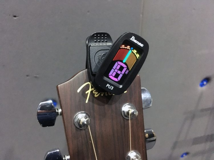 guitars - Guitar Clip-On Tuners